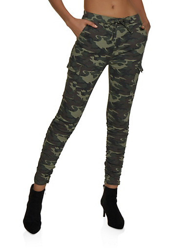 Almost Famous Ruched Camo Cargo Pants,OLIVE,large