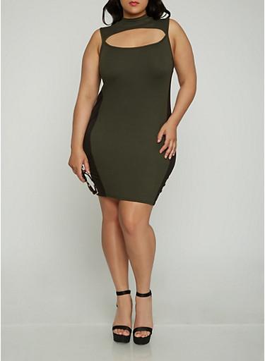 Plus Size Keyhole Side Stripe Dress | Tuggl