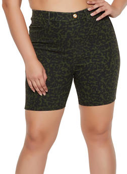 Plus Size Pull On Leopard Bermuda Shorts - 0860063400959