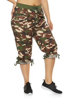 Plus Size Camo Cargo Capri Pants - 0865038349264