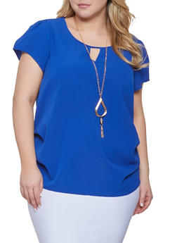 Plus Size Solid Keyhole Top with Necklace - 1803058750142
