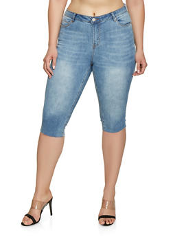 Plus Size Almost Famous Raw Hem Denim Capris - 1873015990054