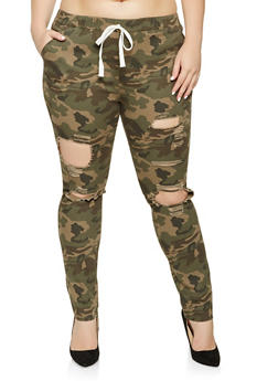 Plus Size Distressed Camo Jeggings - 3870062701570