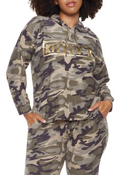 Plus Size Foil Graphic Camo Sweatshirt - 3951074288108