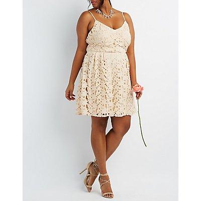 Plus Size Floral Crochet Lace Dress