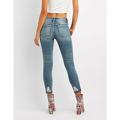 Refuge Destroyed Pearl Applique Jeans