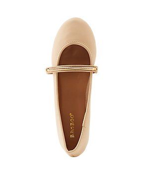 Bamboo Round Toe Metal Banded Flats