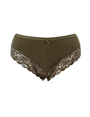 Plus Size Scalloped Lace-Trim Cheeky Panties