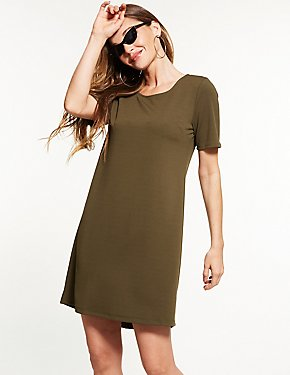 Scoop Neck Shift Dress