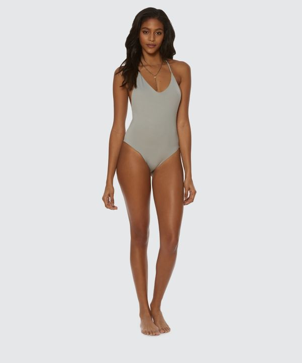SOLID ONE PIECE