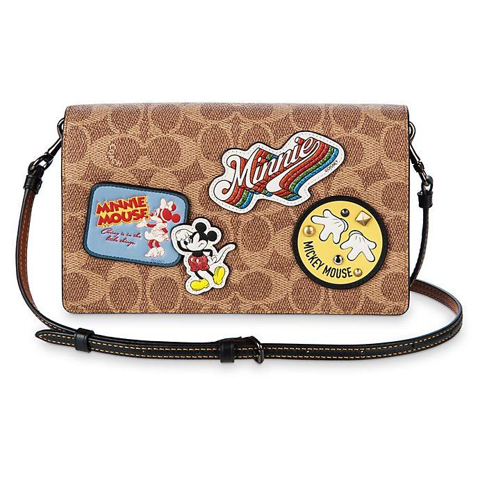 Bolso clutch tipo bandolera con solapa y parches Mickey Mouse, COACH