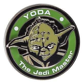 Disneyland Paris Star Wars Yoda Medallion Pin