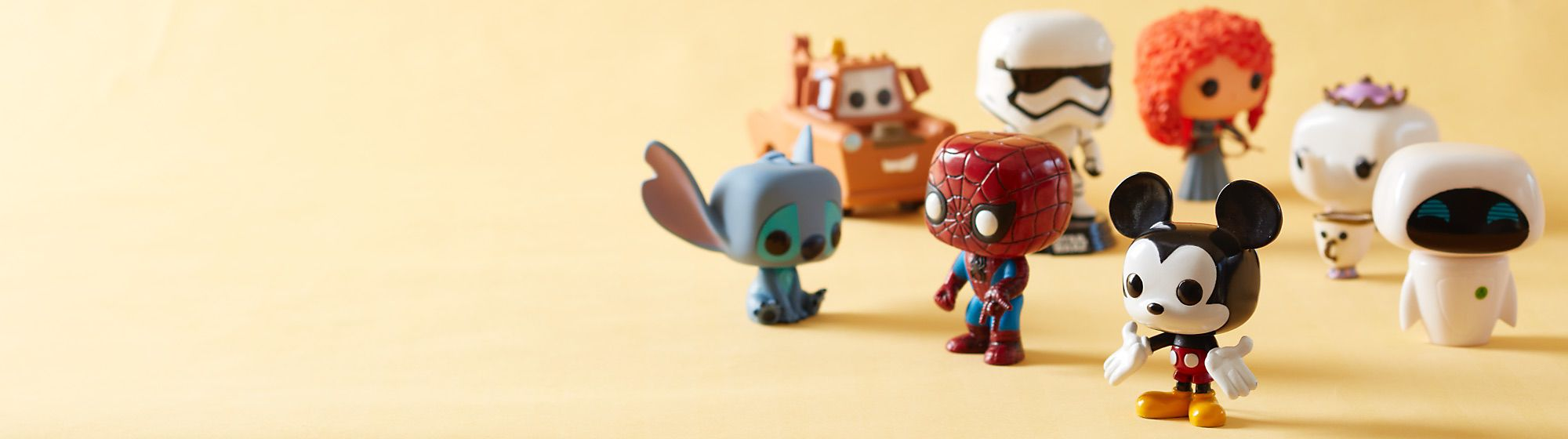 Vinylfiguren Entdecke unsere Auswahl an Disney Pop! Vinylfiguren! Wir haben deine Disney Favoriten aus Serien wie Iron Man, Spider-Man, Star Wars und mehr.