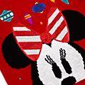 Disney Store - Share the Magic - Minnie Maus - Weihnachtspullover für Kinder