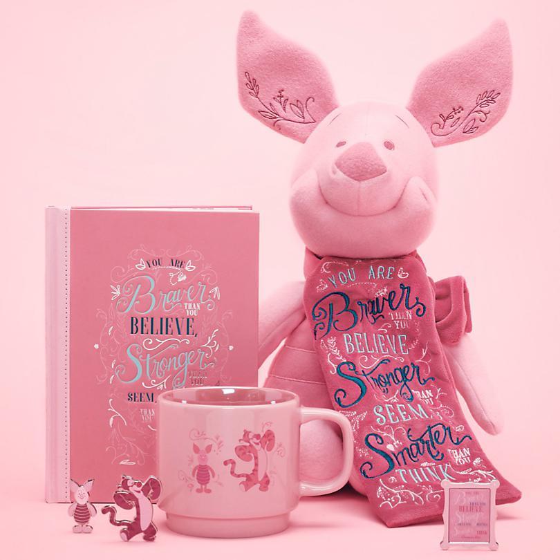 Piglet Muy pronto Los sabios consejos del próximo mes se comparten en nuestra colección de Piglet. Disponible el 18 de abril