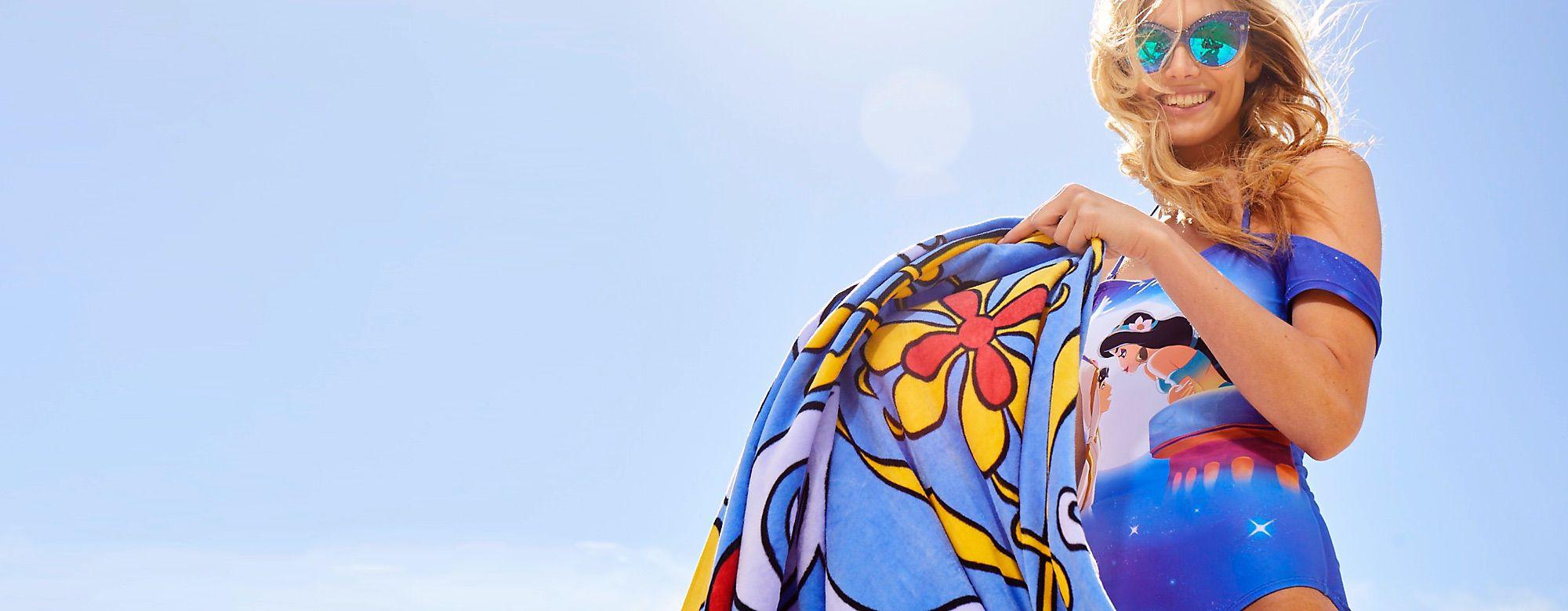 Oh My Disney Entdecke mit unserer Aladdin-Kollektion eine völlig neue Welt des Poolspaßes ALLE ANSEHEN