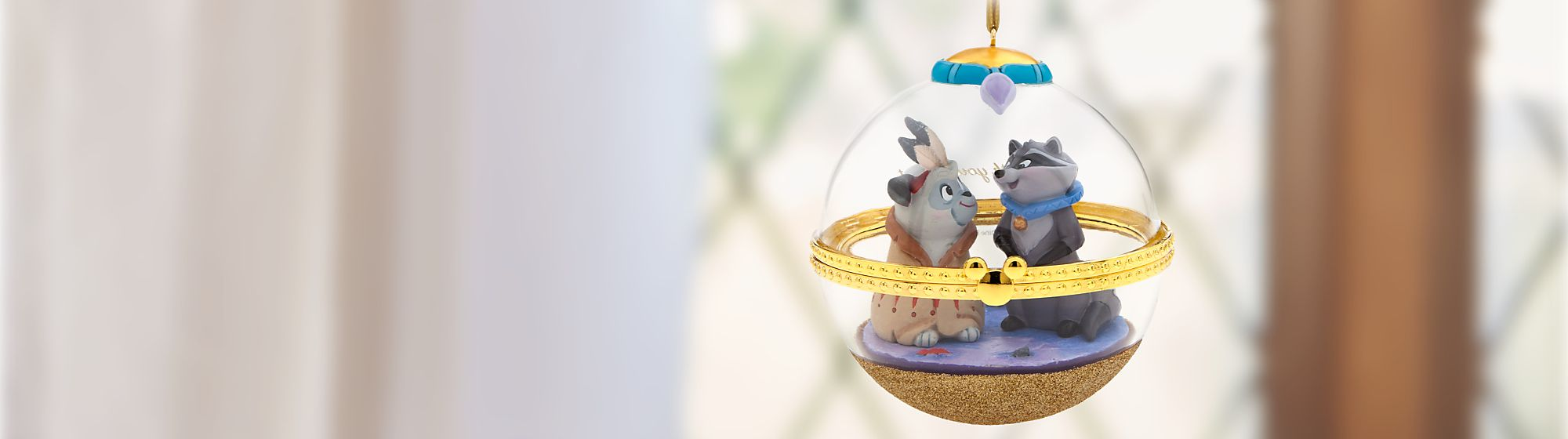 Dynamic Duos Hanging Ornament Let Meeko and Percy make a charming addition to your home