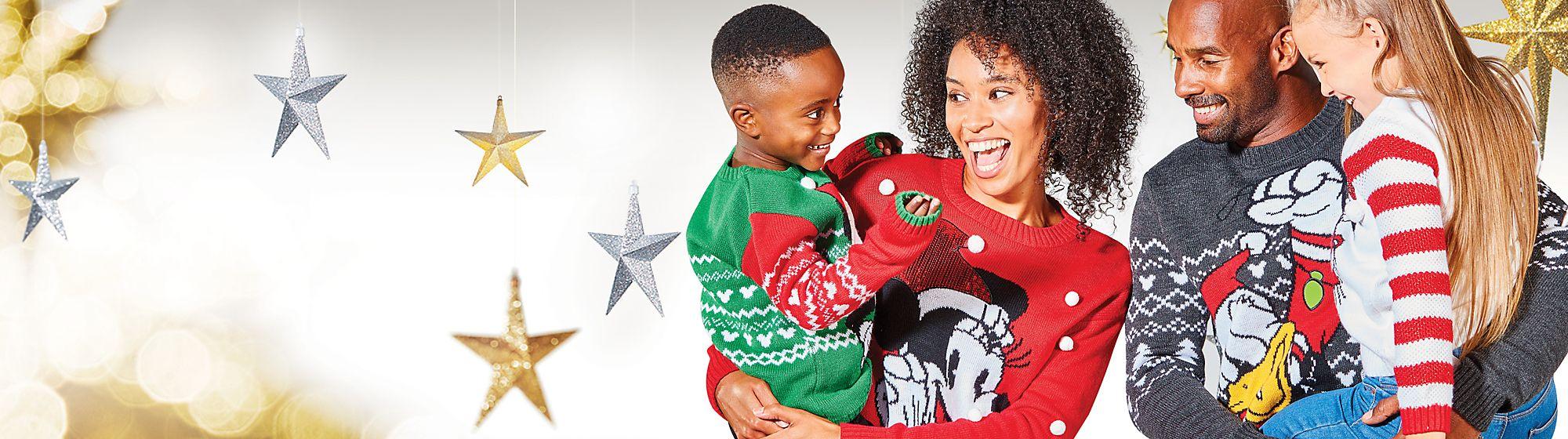 Bien au chaud pour Noël Nos pulls coordonnés pour les jours les plus magiques de l'année VOIR LA COLLECTION
