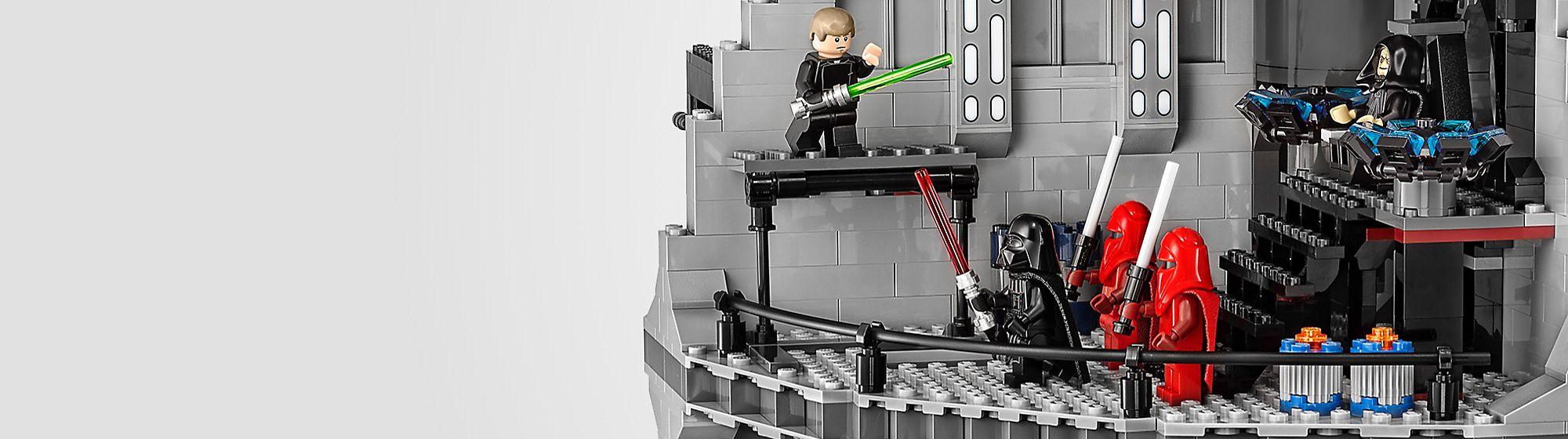 Lego de Star Wars Construye las aventuras de la saga Star Wars con nuestra colección Lego. Las naves y escenarios más impactantes de Jedi, Primera orden y mucho más.