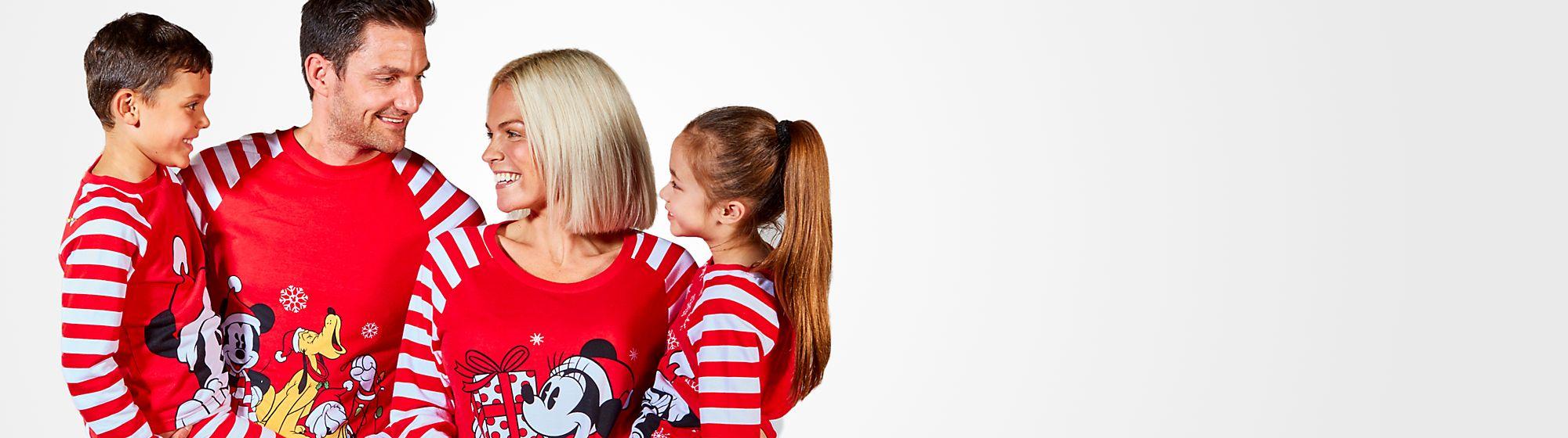 Pyjamas zu Weihnachten Der perfekte Kuscheltag Entdecke gemütliche Pyjamas für die ganze Familie