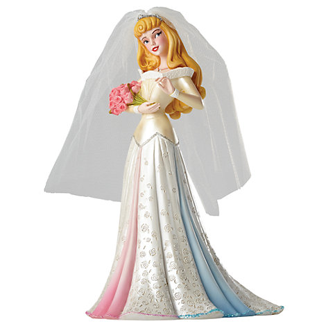 Disney Showcase Haute-Couture Aurora Figurine