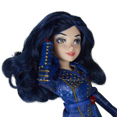 Evie Isle of the Lost Doll, Disney Descendants 2