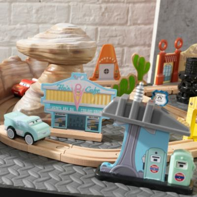 Circuit en bois Radiator Springs, Disney Pixar Cars3