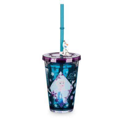 Frost vattenfyllt glas med sugrör