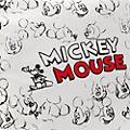 Cojín boceto Mickey Mouse