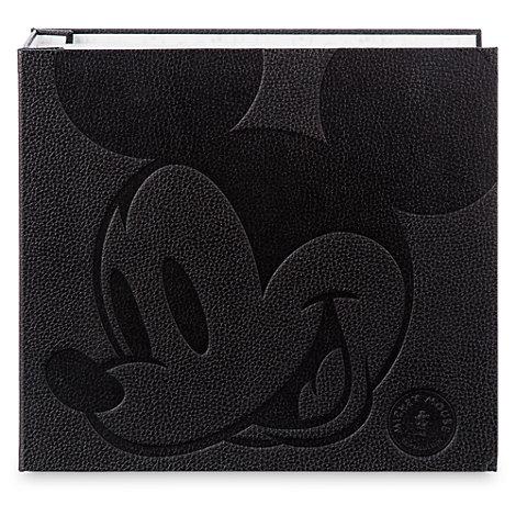 Livre de pin's de collection Mickey Mouse Memories