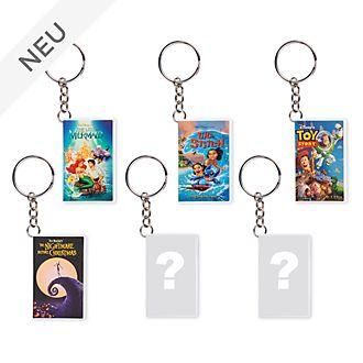 Disney Store - Oh My Disney - VHS-Schlüsselanhänger in Überraschungsbox