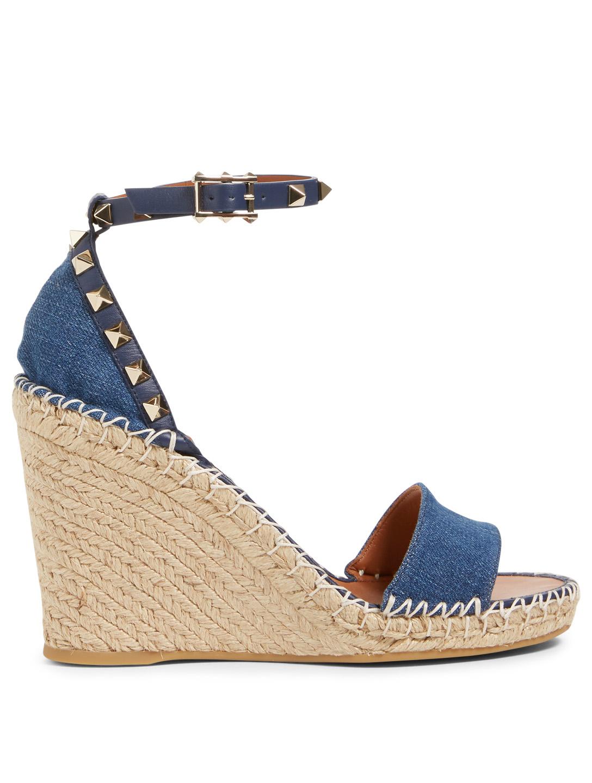 7c1774a0faf0 VALENTINO GARAVANI Rockstud Denim Espadrille Wedge Sandals