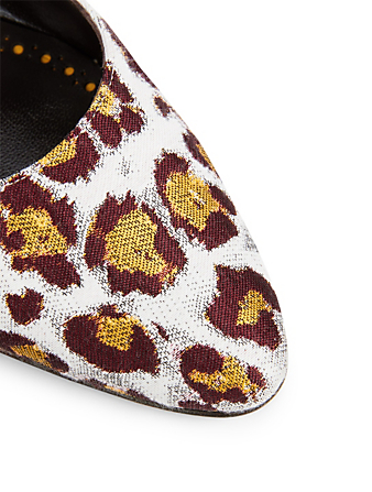 MANOLO BLAHNIK Listony Leopard Brocade Pumps Womens Multi