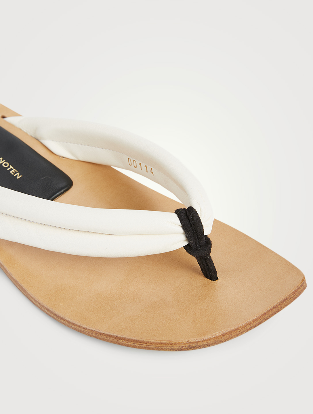 DRIES VAN NOTEN Tongs en cuir Femmes Blanc