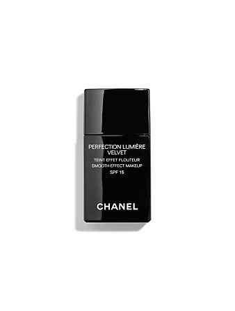 CHANEL Smooth-Effect Makeup CHANEL Neutral