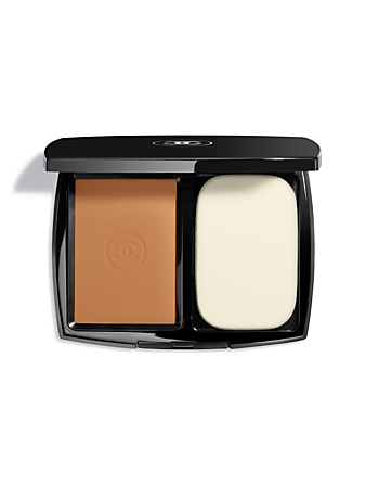 CHANEL Ultrawear Flawless Compact Foundation CHANEL Brown