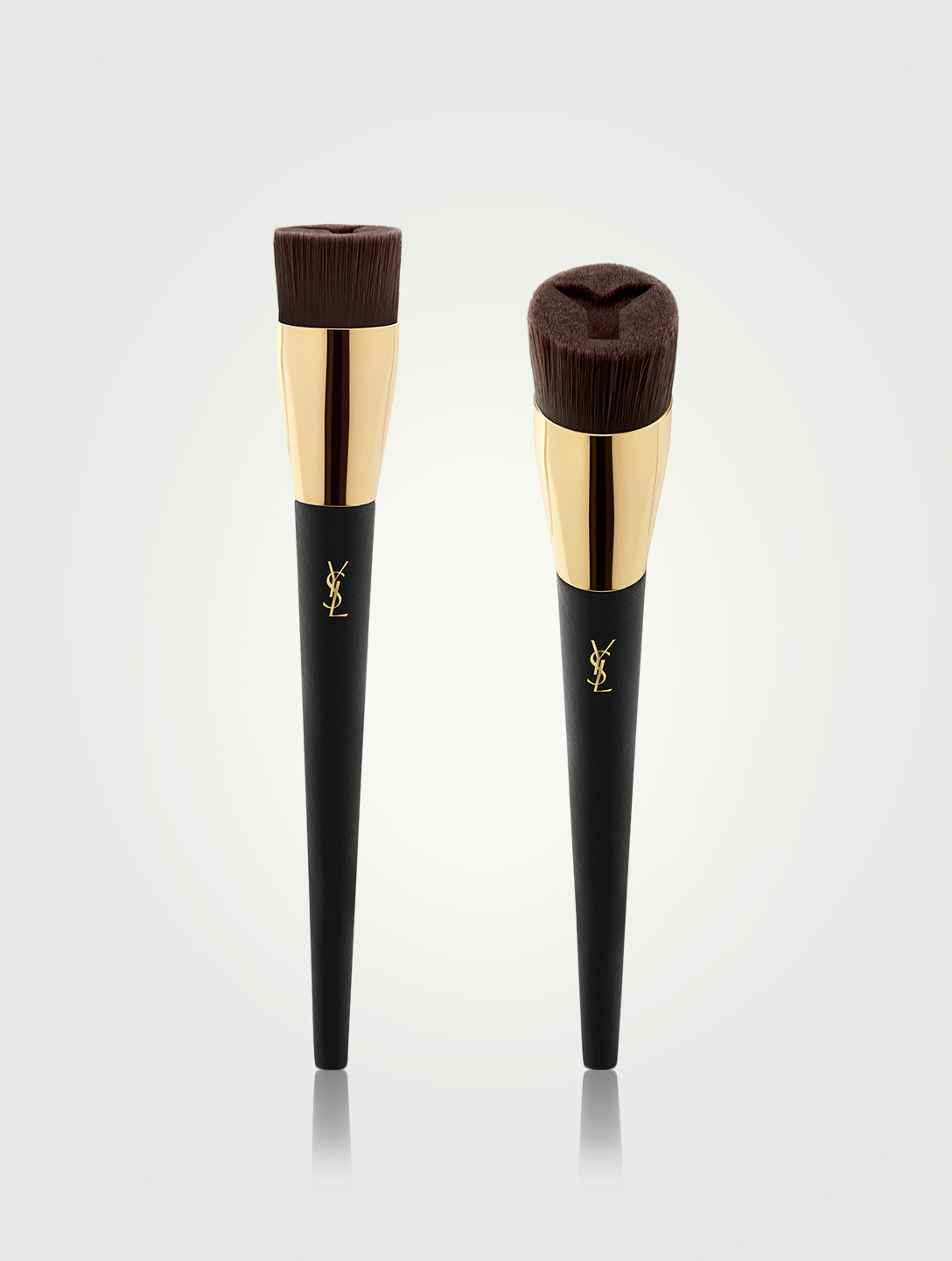 YVES SAINT LAURENT Y Brush - High Coverage Foundation Brush with Reservoir No3 Beauty