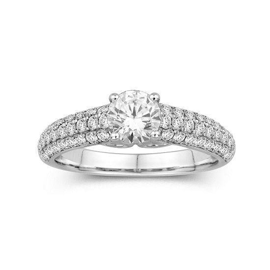 1 1/2 CT. T. W. Diamond Ring