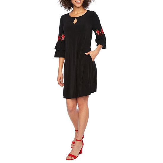 Alyx 3/4 Bell Applique Sleeve Shift Dress
