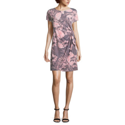 Robbie Bee Short Sleeve Floral Wrap Dress-Petite
