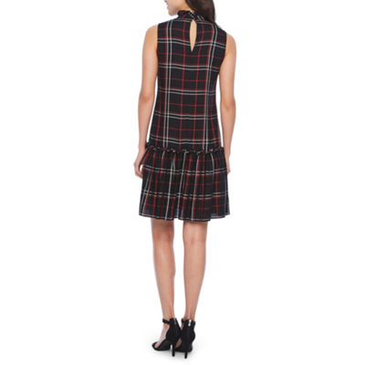Vivi By Violet Weekend Sleeveless Plaid Shift Dress