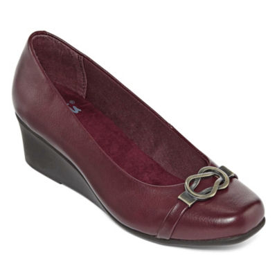 Yuu Womens Monica Slip-On Shoe Round Toe