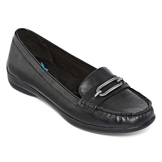 Yuu Womens Baker Slip-On Shoe Round Toe