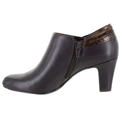 Easy Street Whisper Womens Shooties