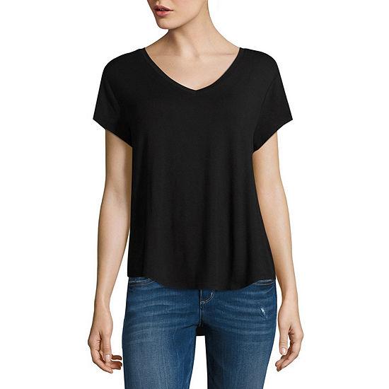 Arizona Juniors-Womens V Neck Short Sleeve T-Shirt
