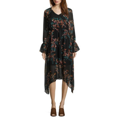 a.n.a. Sharkbite Long Sleeve Floral Maxi Dress