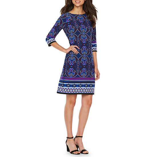 London Style 3/4 Sleeve Medallion Shift Dress