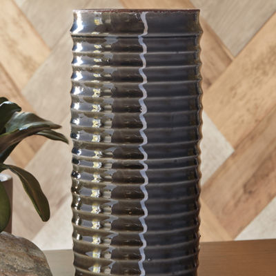 Signature Design By Ashley® Derry Short Vase