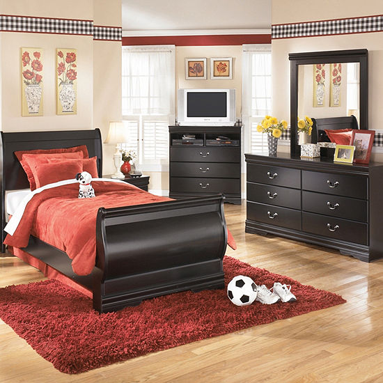 Signature Design By Ashley Gilmore 4 Pc Bedroom Set