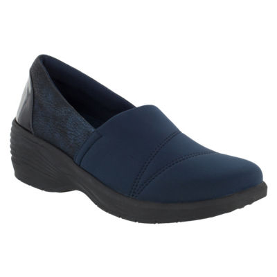 Easy Street Womens Solite Solo Round Toe Slip-On Shoe